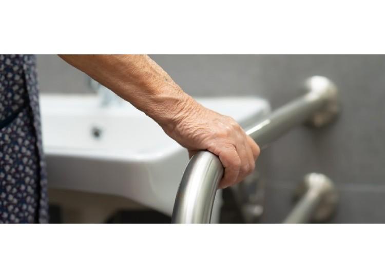 ¿Cómo adaptar un baño para personas con movilidad reducida?