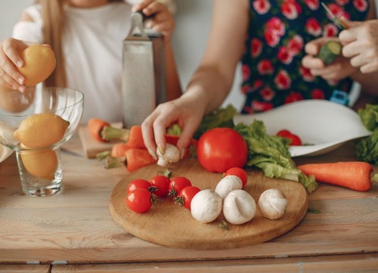 Beneficios de una alimentación saludable en el adulto mayor